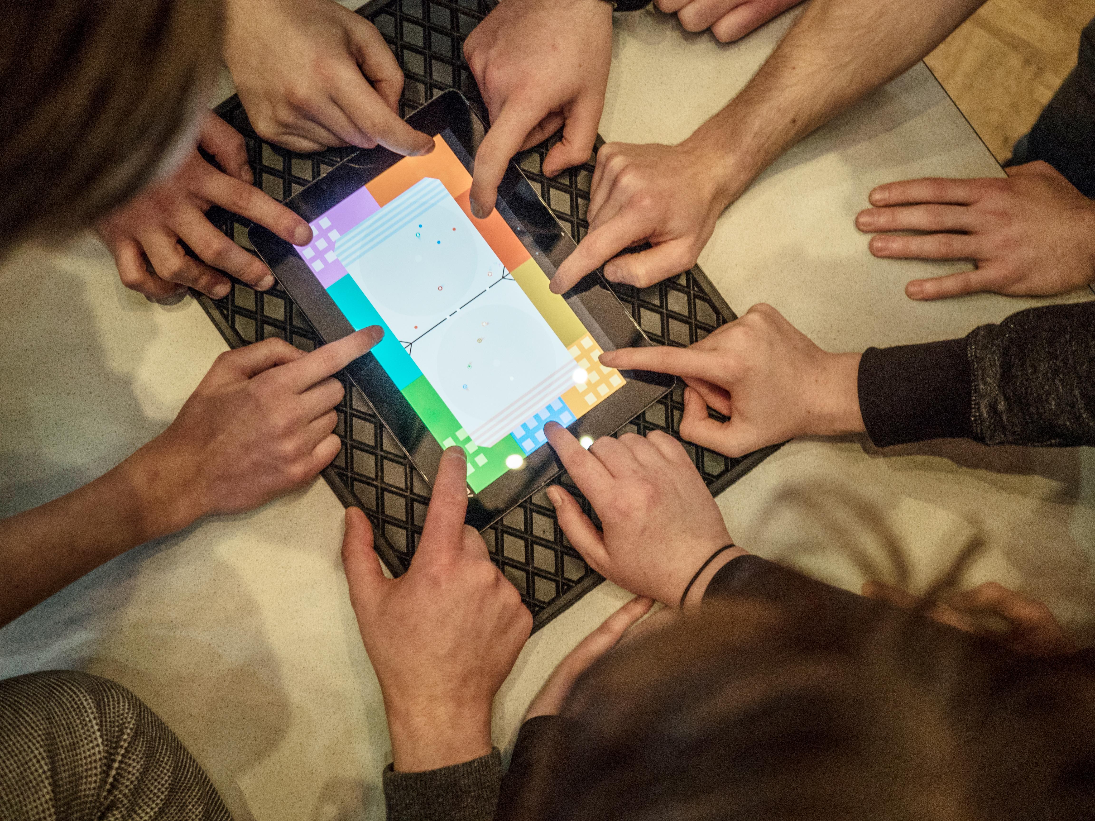 """12 Orbits auf dem Gamescamp """"Ethik und Games"""" 2017"""